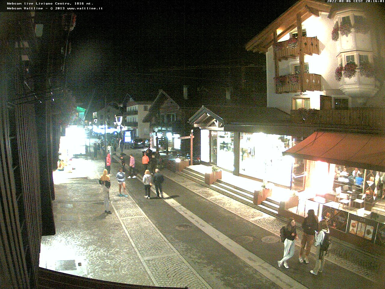 Webcam Livigno La via Plan di Livigno vista da Hotel Touring